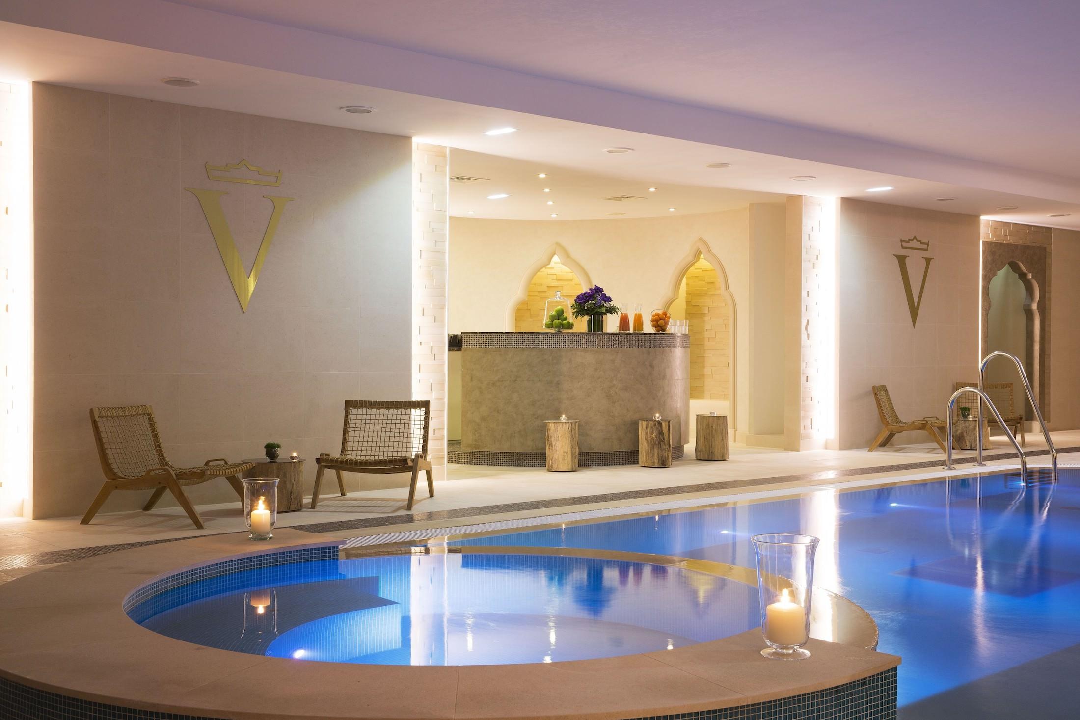 piscine et spa Valmont à l'Auberge du Jeu de Paume