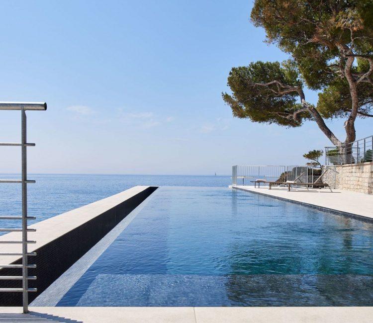 Hôtel Les Roches Blanches bassin de nage